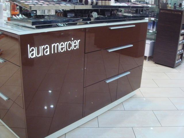 �� ������ �����-��������� ������������� ������ ��������-��������� ������������ Laura Mercier